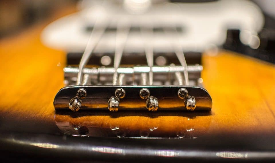 the only bass guitar strings guide you ll ever need stringvibe. Black Bedroom Furniture Sets. Home Design Ideas